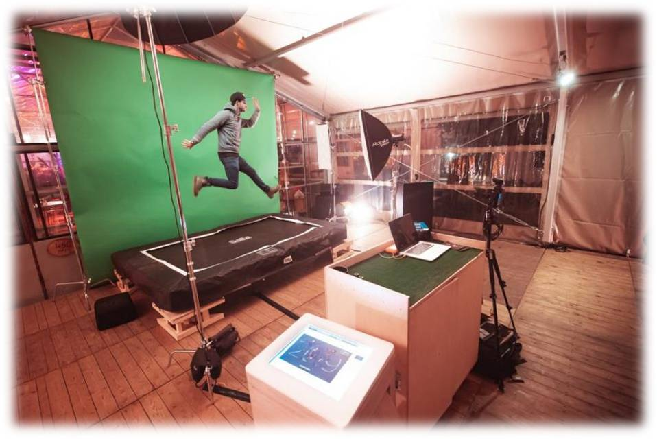 TRAMPOLINE BOOTH – WITH GREEN SCREEN